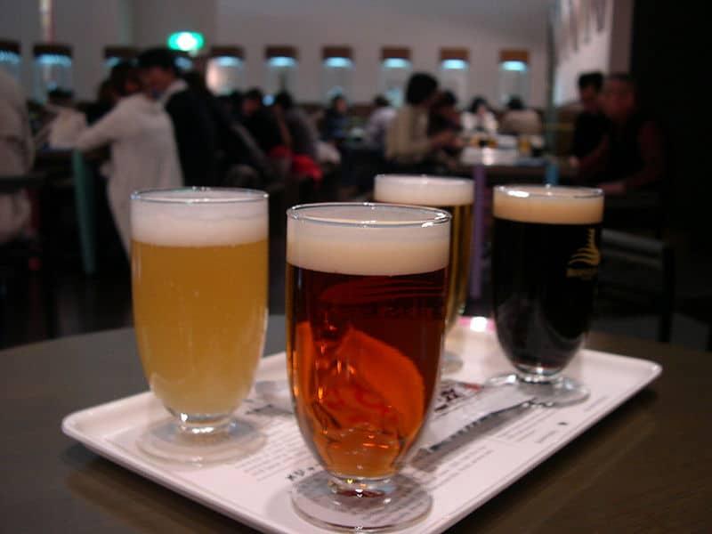800px-Yebisu_Beer_Museum_tasting_set